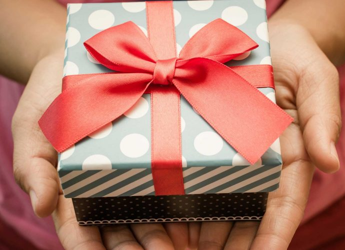 gifts for him singapore delivery